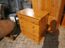 PINE CHEST OF DRAWERS IN YEOVIL