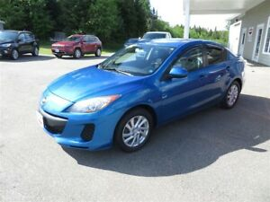 2012 Mazda MAZDA3 GS-SKY SUNROOF, LOCAL TRADE!