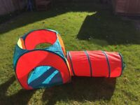 Pop up play tunnel and tent