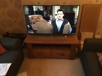 Solid oak TV unit with 1 large drawer and a shelf £115
