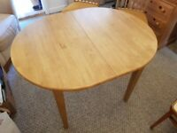 Great condition Dining Table & 4 Chairs