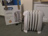 DeLonghi Bambino 500W mini electric Oil-filled Radiator