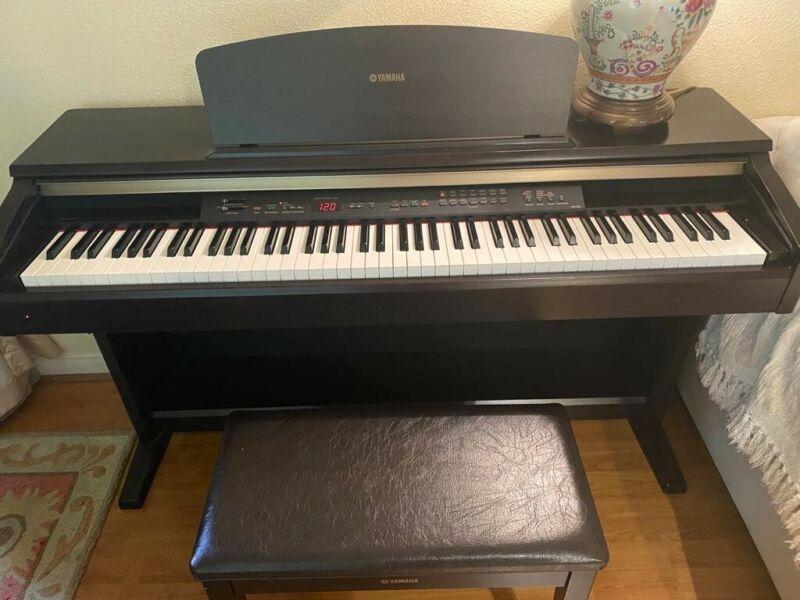 USED-Yamaha YDP-223 88-Key Digital Piano - Black Color