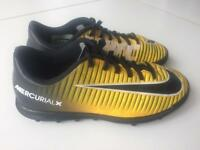 Boys Astro boots size 3