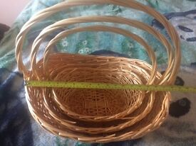 Wicker baskets with handle