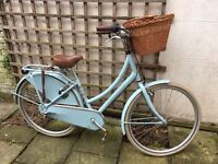 Beautiful Dawes Dutch style bicycle