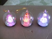SET OF 6 GLASS LED LIT CHRISTMAS TREE BAUBLES (Brand New & Boxed)