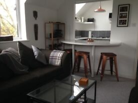 Double room to rent in Droitwich Spa -have almost sole use of flat. £425pcm