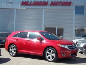2013 Toyota Venza LE V6 AWD / LEATHER / ONLY 65,000 KM