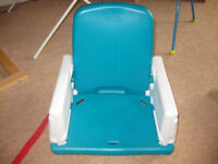 DINING TABLE BOOSTER SEAT by EARLY YEARS - easy to wash / adjustable / easy to take apart