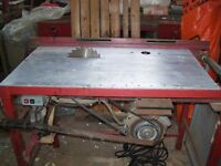 Circular saw and router table