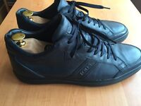 Luxurious Tods navy blue calfskin trainers, 43 / uk9, rrp £320