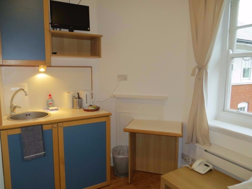 Cozy Self Contained Studio in Fulham SHORT Let All Bills Includes £350 pw