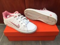 Nike Court Tradition trainers size 5.5