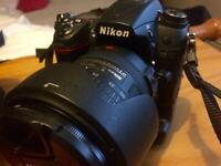 Nikon D7000 & 18-200mm lens with accessories