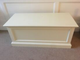 White chest / storage box / Ottoman / Blanket Box