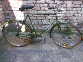 Vintage Triumph Traffic Master gents bicycle. 3 speed 21 inch bike frame