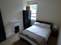 Double room available to rent in Chiswick!! 5 mins from Turnham Green station