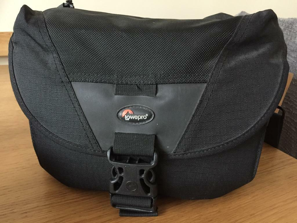 Lowepro Camera Bag (Stealth Reporter D100 AW)
