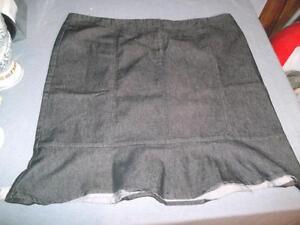 """Women's Skirt """"Ricki's"""" Blue Denim Size 18 Knee length Straight"""