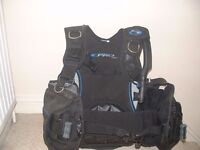 Sea Quest Pro QD BCD Brand new with integrated weight pockets size medium