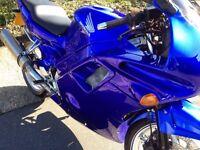 Honda CBR 600 candy blue