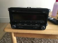 VW GOLF MK5 MK6 CADDY PASSAT POLO GENUINE AUDIO RADIO CD PLAYER 5M0035186J +CODE