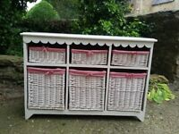 Basket chest of drawers