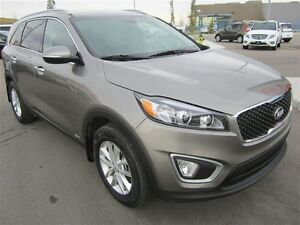 2016 Kia Sorento LX AWD! Heated seats, alloy wheels, sat radio!