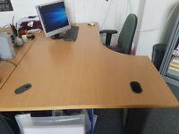 4 Large office desks - FREE