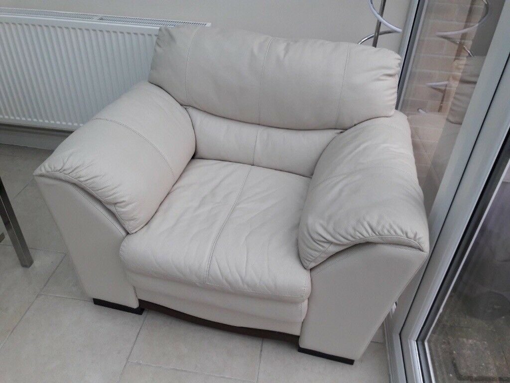 Dfs 2 seater, chair and footstool cream leather immaculate condtion!!
