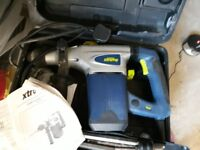 FOR SALE CHALLENGE XTREME 1200W ROTARY HAMMER DRILL HARDLY USED