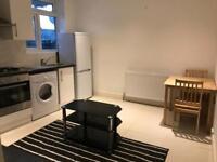 2 bedroom flat in 21 Balham High Road, London, SW12