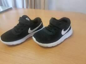 Boy's nike trainers 8