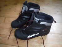 Cross country ski boots size 39
