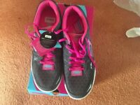 "Ladies size 8 ""go walk to flash"" sketchers trainers. Unworn/brand new. Boxed with labels attached."