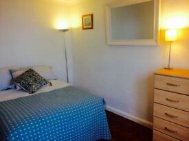 Large double bedroom in Isleworth ground floor maisonette – £570 pcm (all bills included).