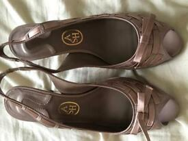 Shoes/matching handbag