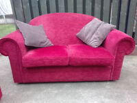 Red fabric sofa 2 seater settee in very good condition / free delivery