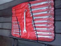 STANLEY 17pc METRIC COMBINATION SPANNER SET IN BLUEPOINT TOOL ROLL ALMOST NEW 8mm TO 32mm. £30.00