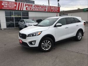 2016 Kia Sorento LX, 2.4L DEMO! CALL AND SECURE THIS VEHICLE!
