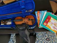 Children's Violin Stentor 1/2 Student 1 with stand and books