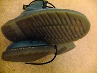 Dr Martains Boots Size 7 Blue /turquoise