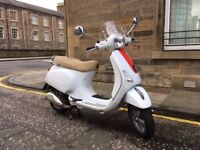 2010 Vespa LX (automatic) in white