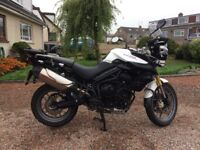 TRIUMPH TIGER 800 ABS, 2014 White, ONLY 12,100 miles. EXCELLENT CONDITION. Panniers. Top Box