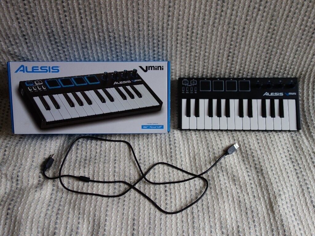 ALESIS Vmini 25 key midi keyboard - just a month old/barely used
