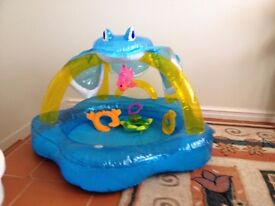 Baby/Toddler splash pool/ball pit with shade