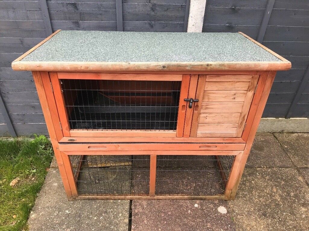 natura roof rabbit trixie pitched pin with and hutch