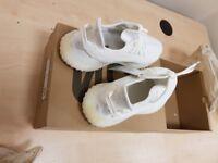 Adidas yeezy 350 white