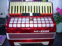 HOHNICA MEDIUM SIZED ACCORDION